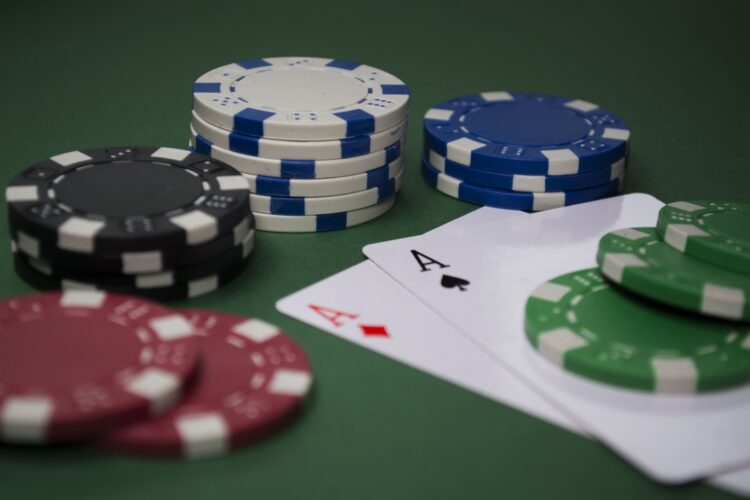 Play Free Online Casino Games In A Fair Manner And Earn Big Bucks
